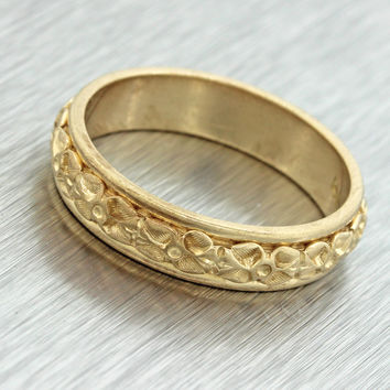 1880s Antique Victorian Women's Estate 14k Yellow Gold Engraved Band Ring