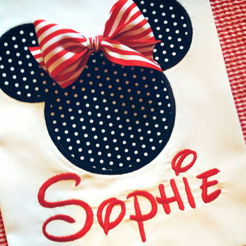 Girls Mouse tee , mouse shirt for vacation  , Minnie shirt with bow , mouse appliqué shirt , cheap appliqué Minnie shirt
