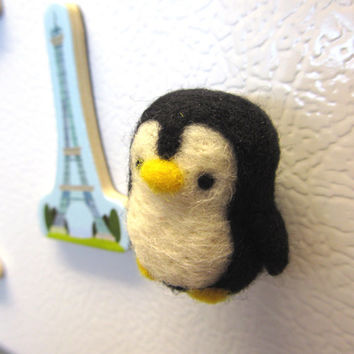 Needle Felted Penguin Magnet, Needle felted animals, Felt penguin, Cute penguin, Penguin ornament, Cute magnets, Felt magnets, Penguin decor