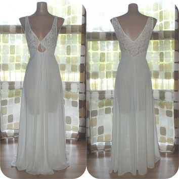 Vintage 70s White Nylon & Lace Full Sweep Nightgown L XL Keyhole Sheer Bodice Wedding Bridal Lingerie