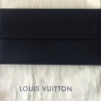 Louis Vuitto Sarah Epi Wallet 59% off retail