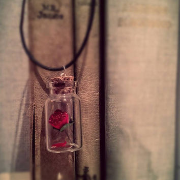 Enchanted Rose Disney Necklace / Beauty and the Beast ~*~ The Fairytale Collection ~*~