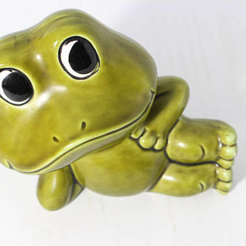 Vintage Green Frog Figurine  Ceramic Coin Piggy Bank Neil The Frog