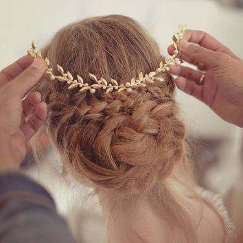 bridal Hair accessories , Brides Headpieces , Gentle Gold Leafs Hair Wreath , gold Leaf Crown , Wedding Headband , bridal accessories  tiara