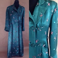 Vintage 1950's Satin Robe / Asian Style / Deep Green Satin / Pink Roses / Frog Closure / Full Length / Vintage Robe/ Dressing Gown / Robe