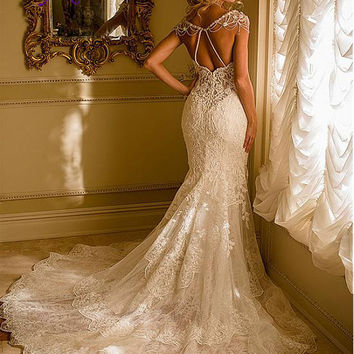 Liyuke Fabulous Tulle Sweetheart Neckline Spaghetti Straps Mermaid Wedding Dress Sleeveless Beaded Appliques Lace Bride Dress