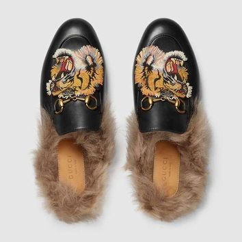 GUCCI Princetown Tiger Embroidered Black Leather Slipper I