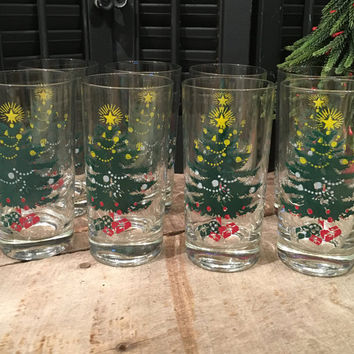 Vintage Christmas Tree Glasses Set of Eight, Christmas Tree Tumblers, Christmas Tree Cups, Christmas Dishes, Christmas Decor, Star Glasses