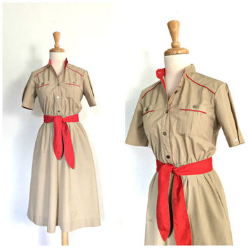 Vintage 70s Shirtwaist Dress - khaki dress - preppy - midi - uniform dress - military style - pullover - Small - Medium