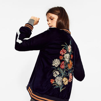 FLORAL EMBROIDERED BOMBER JACKET DETAILS