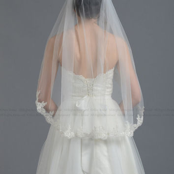 Mantilla veil bridal veil wedding veil ivory elbow alencon lace