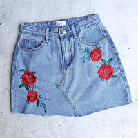 raw hem rose/floral embroidery denim skirt - medium wash