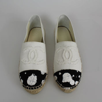 Chanel Black And White Polka Dot Cap Toe Cc Logo Tweed Espadrilles Flats