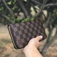 LV tide brand female large capacity zipper wallet Coffee check
