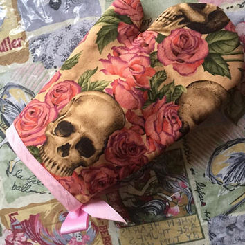 Oven Mitt Skulls Pink Sugar Skulls Day of the dead Halloween pot holder