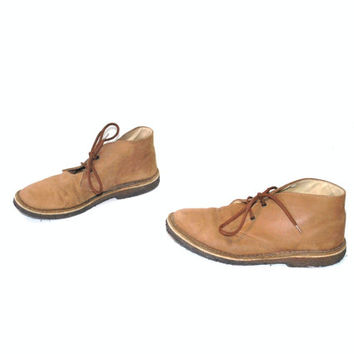 size 8 tan leather DESERT boots vintage RETRO minimalist lace up CHUKKA ankle booties