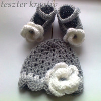 Baby Girl Crochet Hat, Baby Girl Beanie with Baby shoes made in gray and white with crochet  flower detail