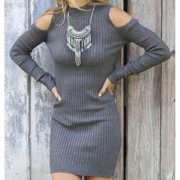PEAPNH SOLID COLOR STRAPLESS SWEATER DRESS