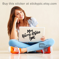 Mrs Harry Styles - One Direction - (Laptop Sticker 1D Wall Sticker Decal PC Apple Macbook Mac Geekery)