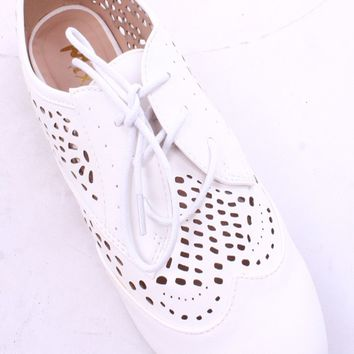 WHITE LACE UP FAUX LEATHER EYELET CUT OUT FLAT SHOES