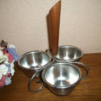 Condiment Serving Set Stainless Steel Bowls Wood and Metal Tripod Caddy Mid-Century Danish Modern Vintage Entertaining Tableware Barware