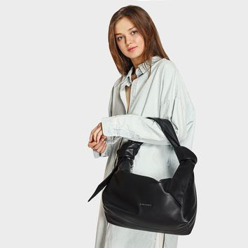 Black Slouchy Shoulder Bag|CHARLES & KEITH