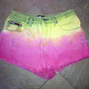 Womens Tommy Hilfiger Vintage Custom high waisted Distressed  Ombre Denim Jean Shorts Sz 5 or sz 28