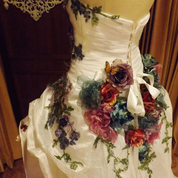 CUSTOM Victorian Wedding Dress Train Butterfly White Multicolor Lace Roses Embroidered Appliques Size 10-14