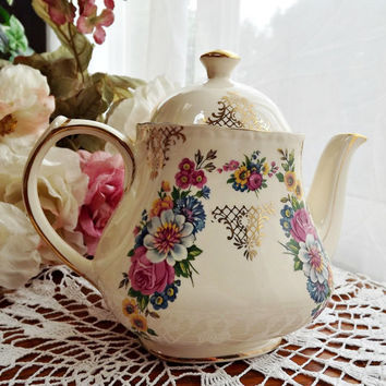 Sadler Teapot with Floral and Gold Lattice Design - Approx. 4 cups