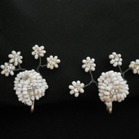 40s Vintage White Screwback Earrings - White Seed Beads and Rhinestones