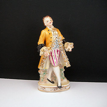 Colonial Man Figurine, Vintage Porcelain Figure, Made in Japan, Young Dandy Gentlemen, 6 Inches Tall