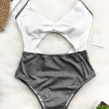 Cupshe Balmy Days Halter One-piece Swimsuit