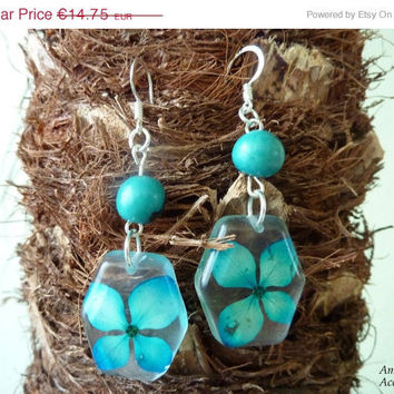 15% OFF VDAY SALE Tuquoise earrings, Hydrangea jewelry, Resin flower jewelry, Pressed flower earrings, seed jewelry