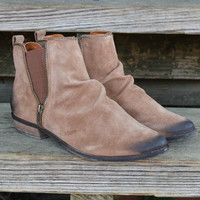 El Paso Tan Distressed Ankle Boots With Zipper Detail