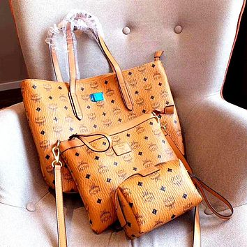 MCM 2019 new high quality female classic print shoulder diagonal package three sets Brown