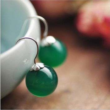 Round green agate compact personality earrings