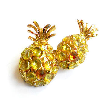 Vintage Peridot Pineapple Brooch - Polished Nugget Stone Chip - Amber Rhinestone - Broach Pin - Gold Tone Metal - Good Luck - Good Fortune