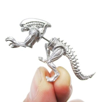 Xenomorph Alien vs. Predator AVP Shaped Front and Back Stud Earrings in Shiny Silver