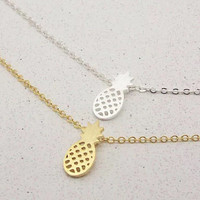 Dainty pineapple necklace
