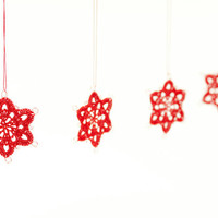 Snowflake Christmas Ornaments / Enchanting Decoration / Crochet Lace Snowflakes / Set of 4 / Red Snowflakes / Xmas Tree / Winter Decor
