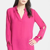 Women's Ro & De Split Seam V-Neck Blouse