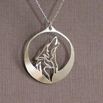 ac spbest lanseis1pcs Howling Wolf necklace pendant  wolf howls into the night as its profile is captured in the light of a silver moon