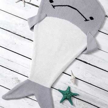 Knitted Color Block Dolphin Shape Blanket Throw For Baby