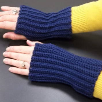 Dark Blue Ribbed Fingerless Gloves in Medium, Arm Warmers, Texting Gloves
