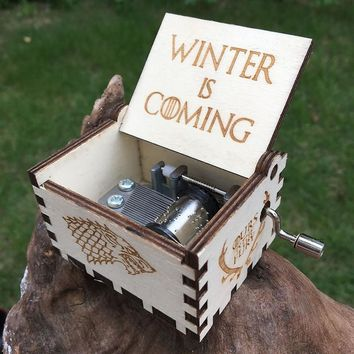 Creative Antique carved wooden game of thrones music box  Hand Cranked,Christmas gift, new year gift, birthday gift