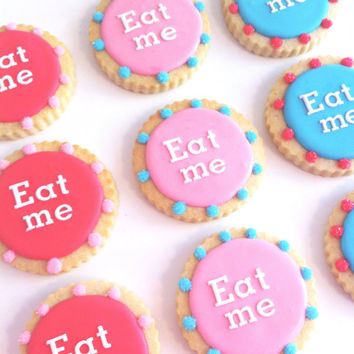 Alice in Wonderland EAT ME Cookie Favors (1 dozen)