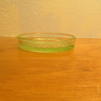 Vintage Green Vaseline Glass Ring Holder