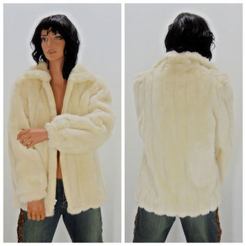 White faux fur coat, Jordache, 80's, size S / M  , USA vintage white fake fur jacket, white fur winter coat, Glam 1980's jacket, Sunny Boho