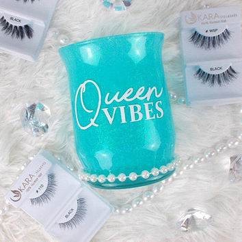 Queen Vibes || Makeup Brush Holder