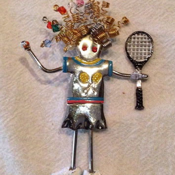 Vintage Quirky Tennis Enamel Brooch Lady Woman Lady Brooch Pendant Pin Costume Jewely